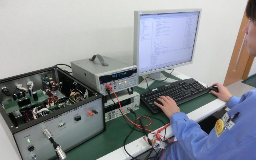 製品製造工程用自動試験装置の設計
